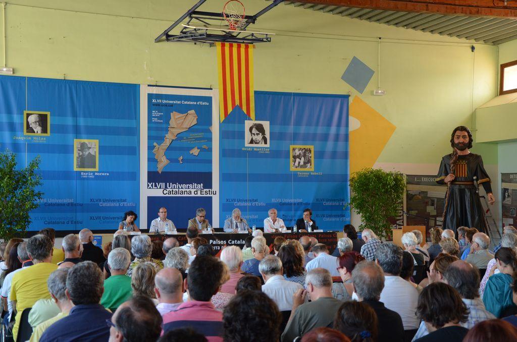 """Résultat de recherche d'images pour """"photos universitat catalana d'estiu"""""""
